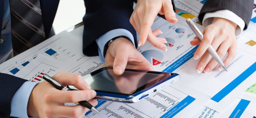 Peu importe la taille de votre entreprise, le fait d'utiliser un CRM facilitera votre suivi client et la hiérarchisation de vos fichiers pospects.